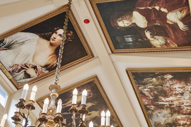 Pełen uśmiechu reportaż ślubny w Pałacu Tłokinia